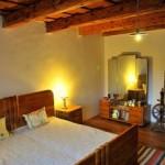 Grote kamer met comfortabele twee-persoonsbed